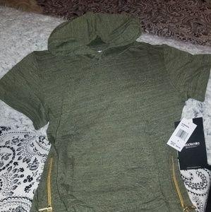 NWT green hoodie tshirt 0001